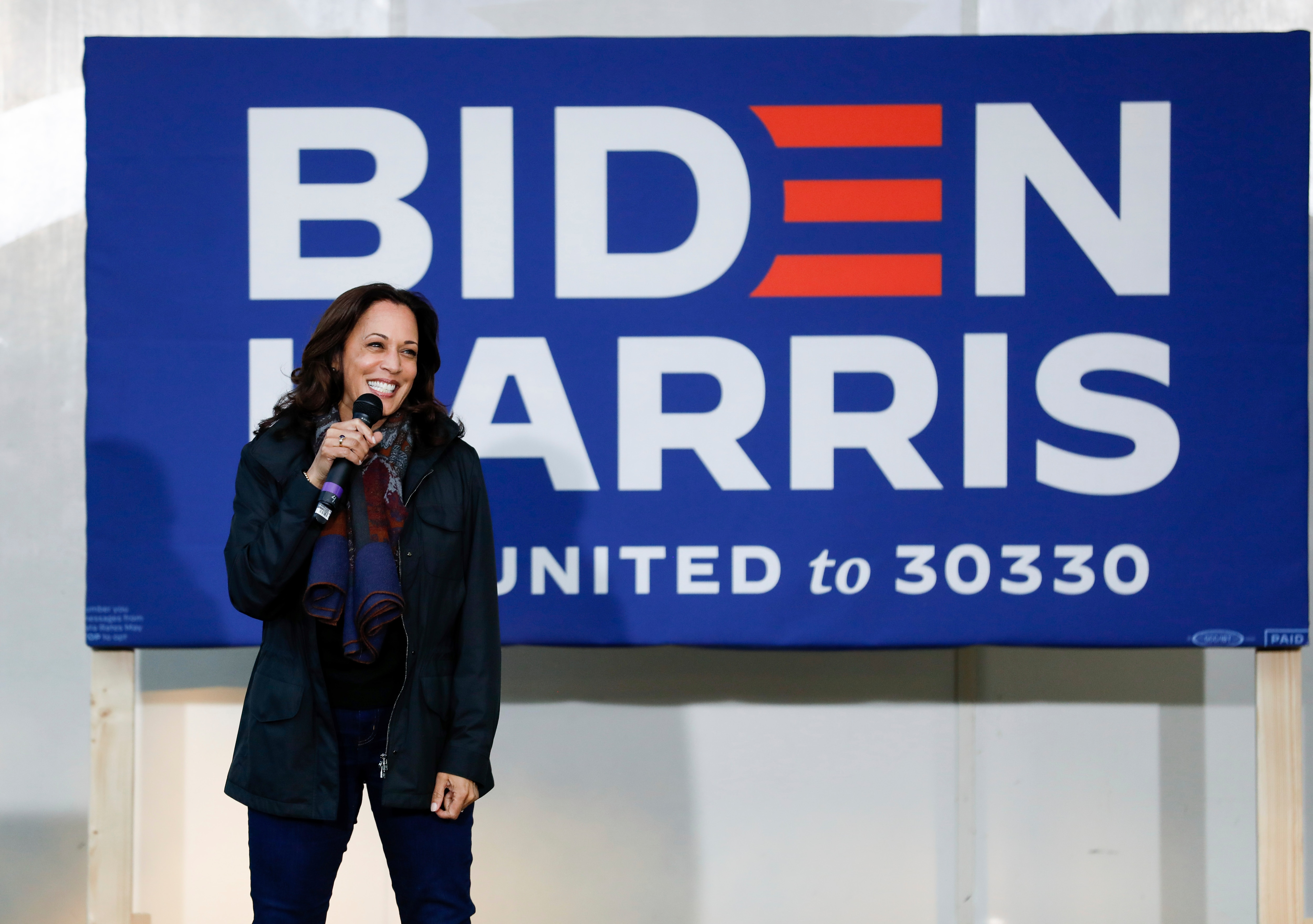 Kamala Harris Seeks To Make History Amid Rough And Tumble Of Presidential Campaign Voice Of America English
