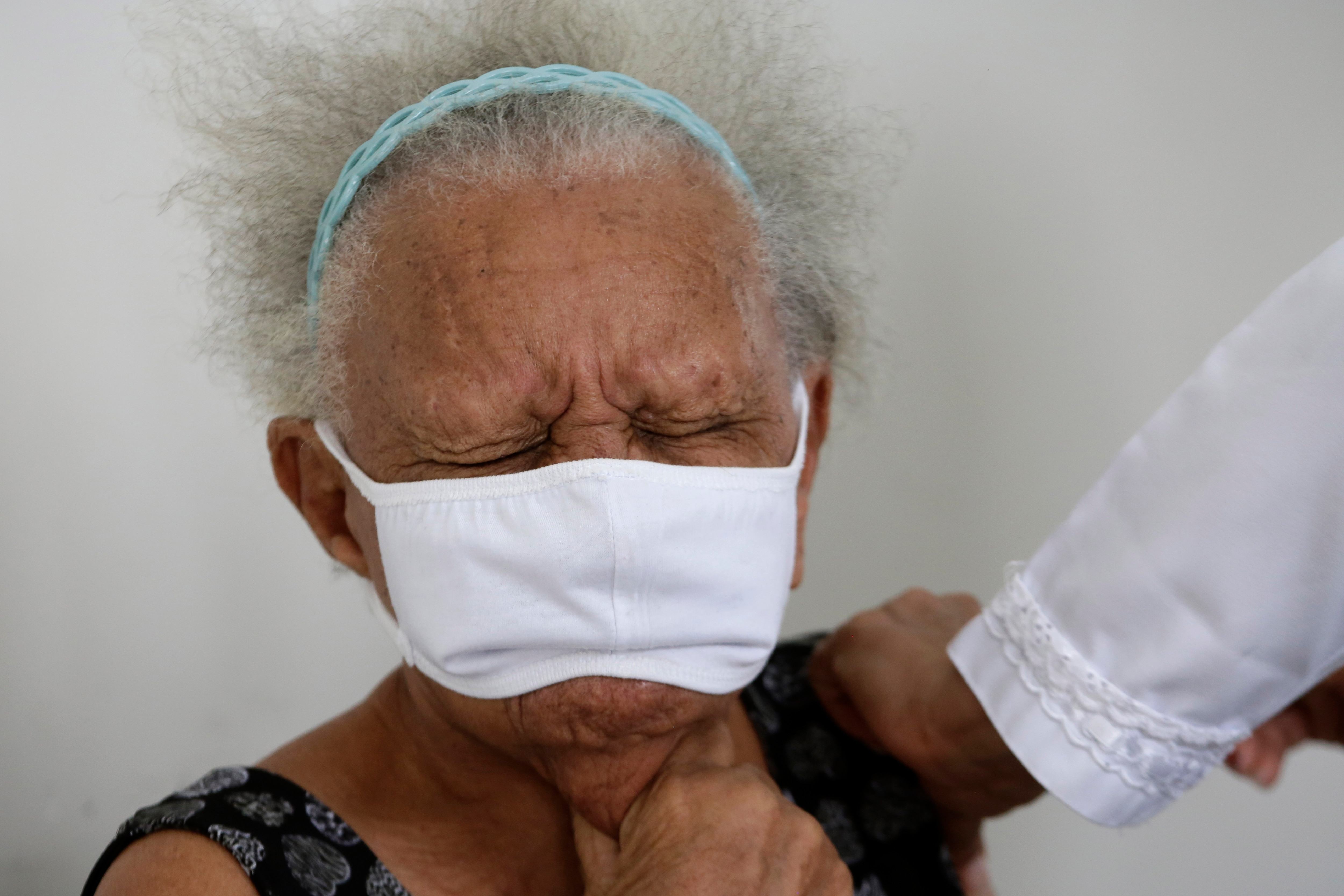 As China Gives Vaccines to Other Countries but Not Its Elderly, Chinese Over 60 Ask: What About Me?