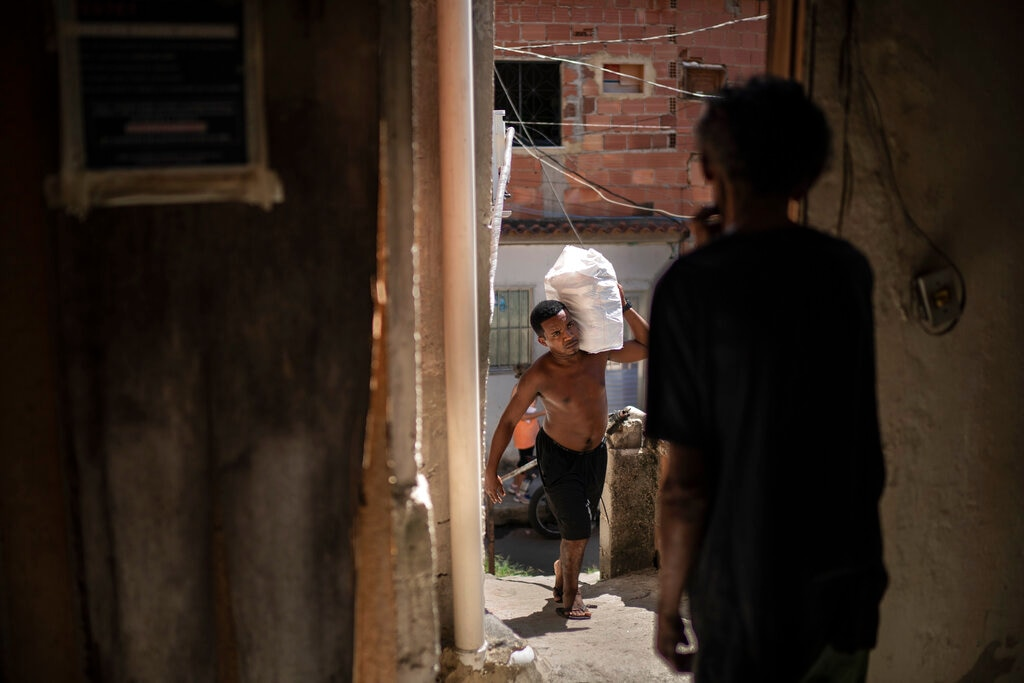 Brazil on Pace to Surpass US COVID Deaths by Year's End