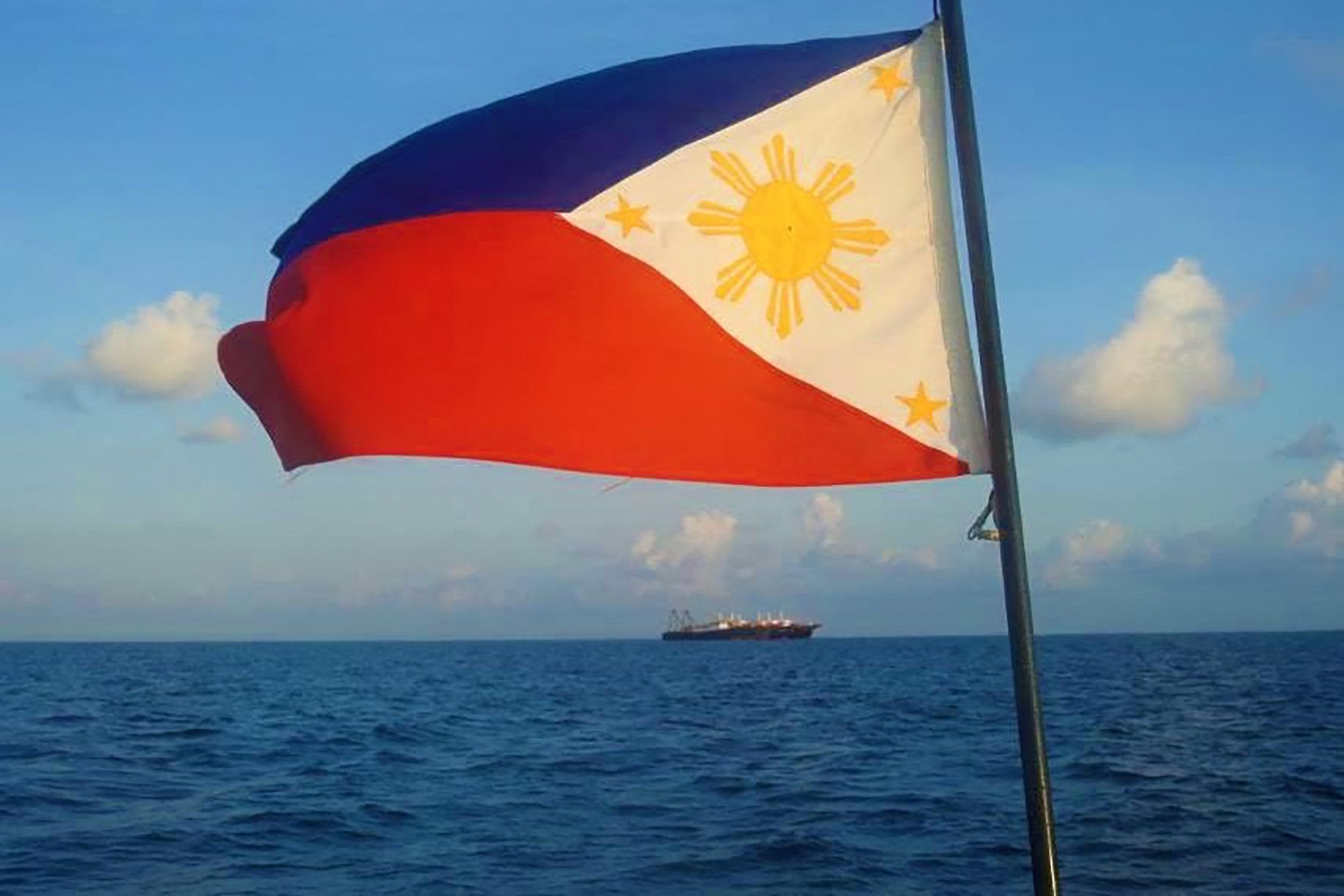 Philippines Ignores China Fishing Ban in Disputed Waters