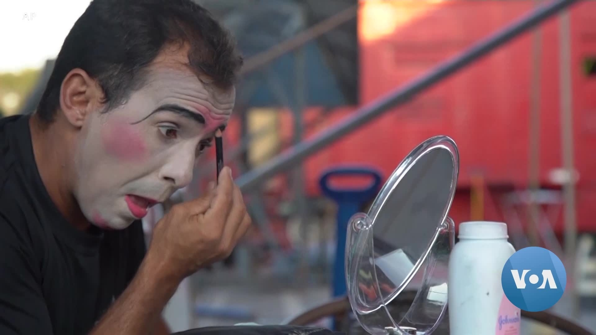 Despite Virus, Brazilian Circus Performers Safely Take Stage