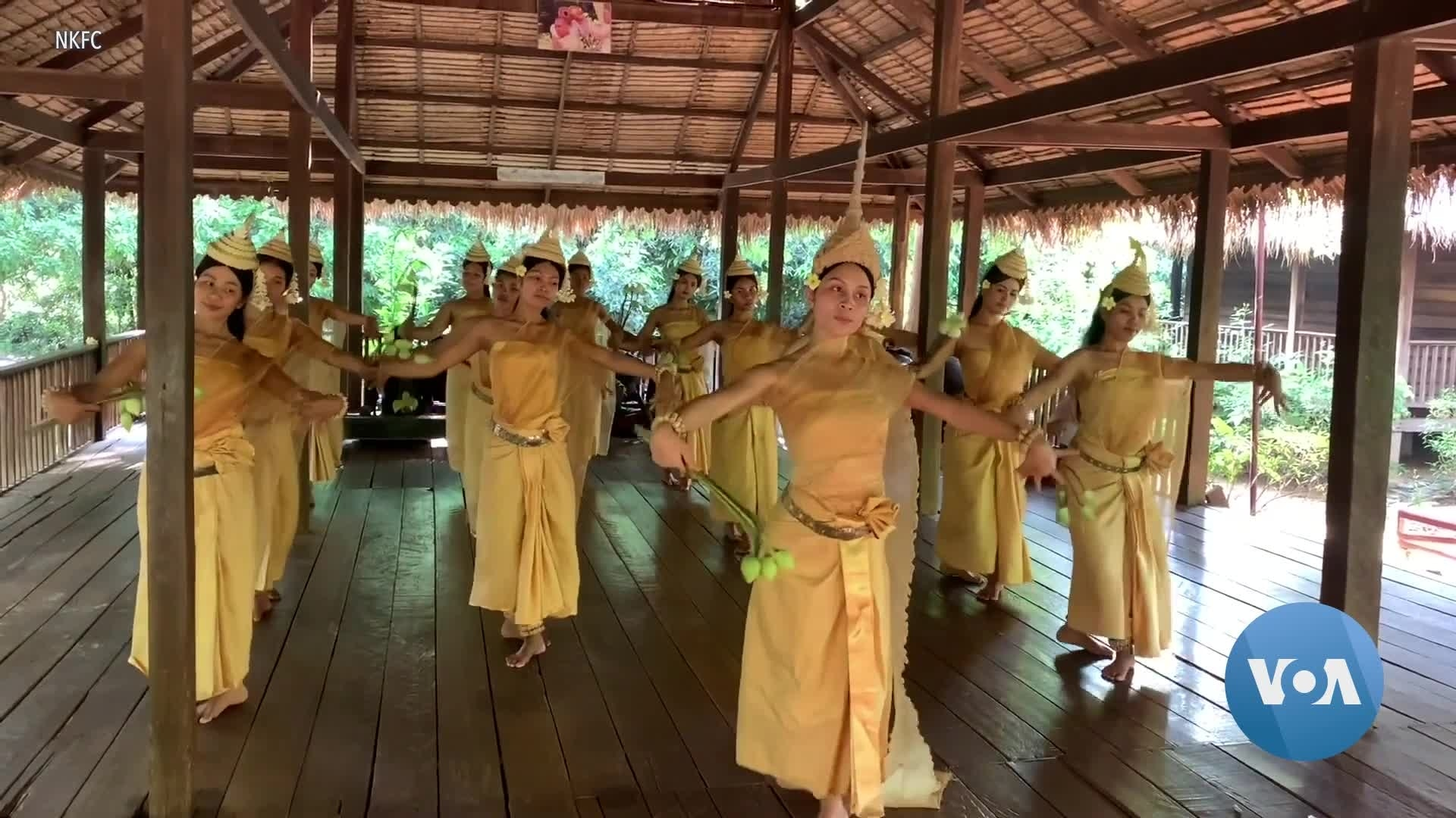 Image COVID-19 Threatens Cambodian Dance Troupe's Sacred Identity