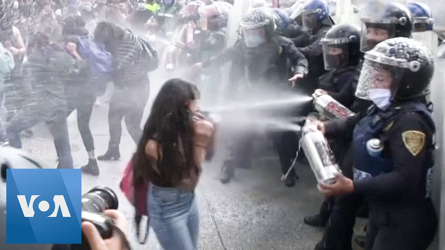 Police and Protesters Face Off at Protest for Legalized Abortion in Mexico