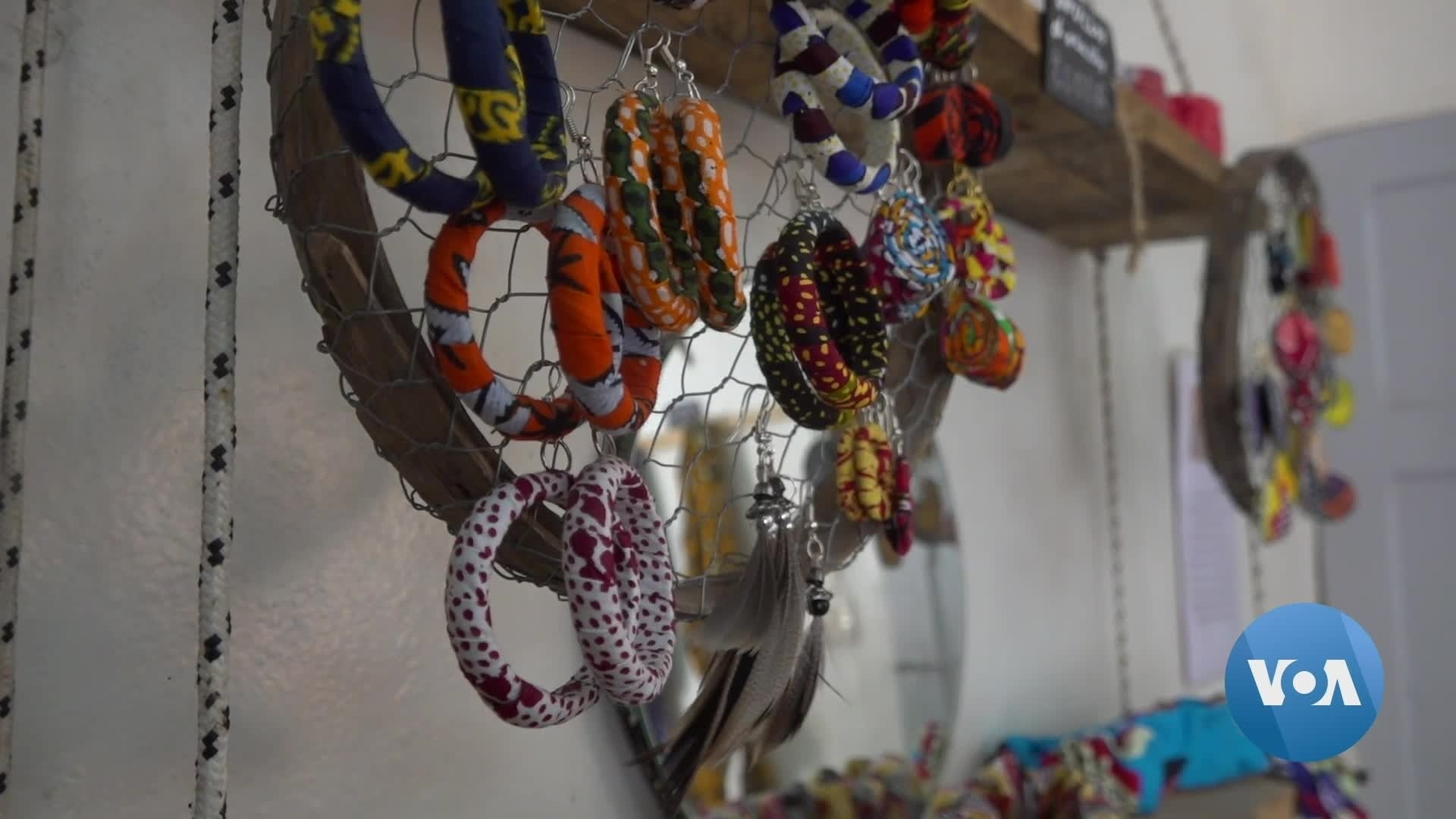 Crocheting With Plastic: Senegalese Atelier Mixes Recycling with Art