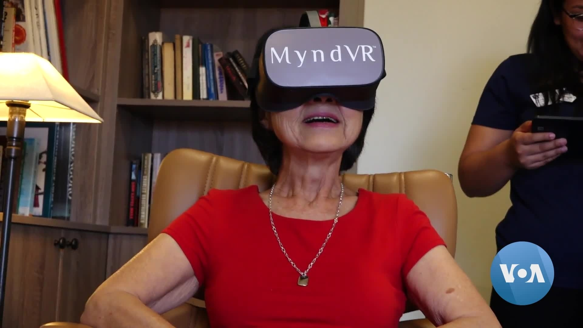 Seniors Use Virtual Reality to Fight Dementia, Social Isolation