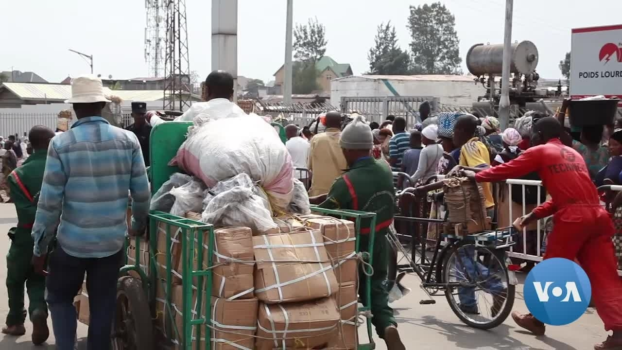Ebola Fears Slow Crossings at Rwanda-DRC Border