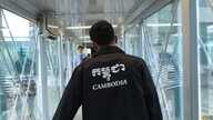 Cambodian workers arriving in Seoul, South Korea. (Poch Reasey/VOA Khmer)