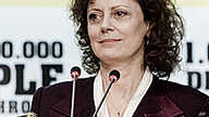 Actress Susan Sarandon addresses the Plenary following her nomination as FAO Goodwill Ambassador by FAO Director-General Jacques Diouf at the World Food Day Ceremony in Rome, Italy. (October 2010)