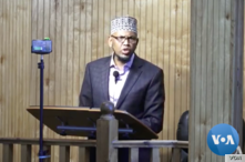 Sheikh Abdirahman Sharif delivers Friday sermon at Dar al-Hjira mosque in Minneapolis on Nov 5, 2018.
