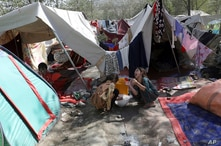 Internally displaced Afghans from northern provinces, who fled their home due to fighting between the Taliban and Afghan…
