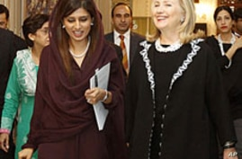 Clinton Intensifies Pressure on Pakistan to Tackle Insurgents