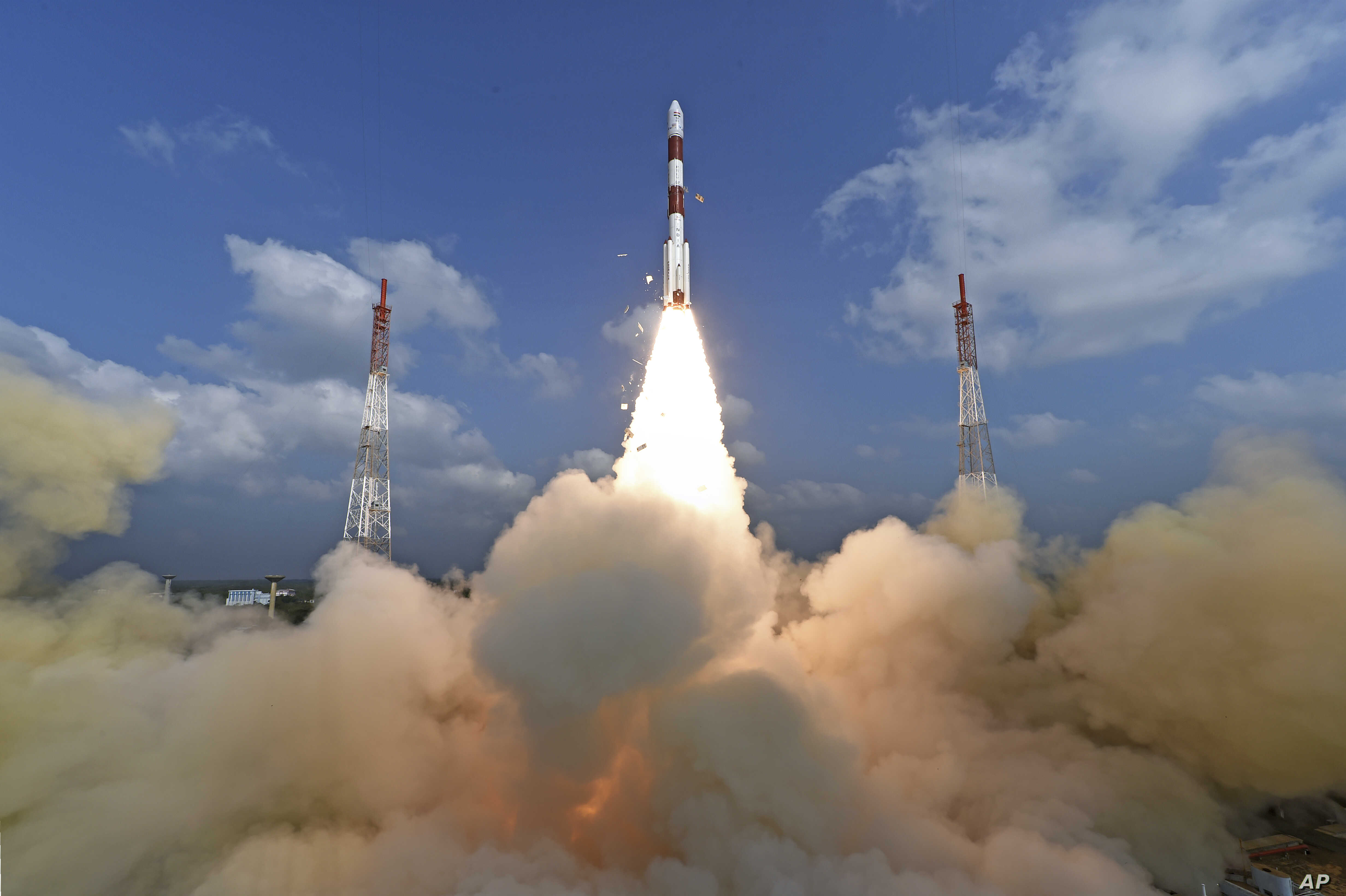 This photograph released by Indian Space Research Organization shows its polar satellite launch vehicle lifting off from a launch pad at the Satish Dhawan Space Centre in Sriharikota, India, Feb.15, 2017.