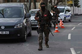 Turkish special security force members patrol near the scene of the Reina night club following the New Year's day attack, in Istanbul, Jan. 4, 2017.