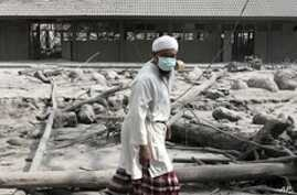 As Indonesian Volcano Death Toll Grows, Evacuees Are Leaving Shelters