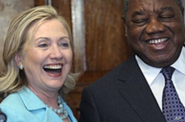 Clinton 'Concerned' by Chinese Trade Practices in Africa
