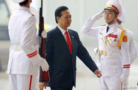 Vietnam's Prime Minister Nguyen Tan Dung arrives for the opening ceremony of the 12th National Congress of Vietnam's Communist Party in Hanoi, Vietnam, Jan. 21, 2016.
