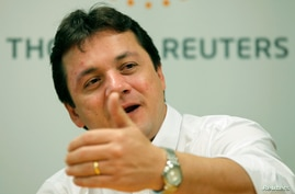 Wesley Batista, chief executive of JBS, the world's largest beef producer, gestures as he speaks during Reuters Latin American Investment Summit in Sao Paulo, Brazil, March 25, 2011.