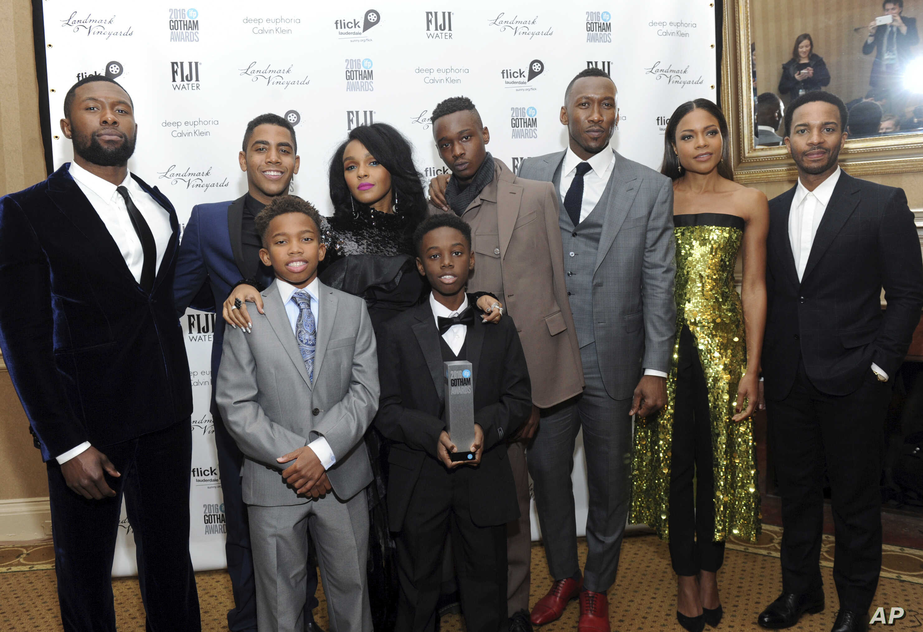 The cast of Moonlight, winners of the Jury Award for Ensemble Performance, pose for a photo at the IFP Gotham Independent Film Awards, Nov. 28, 2016, at Cipriani Wall Street in New York.
