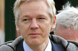 WikiLeaks Founder Fights Extradition