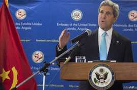 US Secretary of State John Kerry holds a media conference in Luanda, Angola, Monday, May 5, 2014. Kerry on May 4, praised oil-rich Angola's leadership role in efforts to solve long-drawn conflicts on the African continent, and suggested the need to s