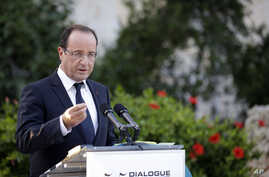 French President Francois Hollande addresses the press as he attends a Mediterranean summit of southern European and North African countries, in Valletta, Malta, October 5, 2012.