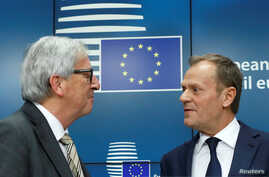 European Commission President Jean Claude Juncker, left, and European Council President Donald Tusk take part in a news conference during an EU summit in Brussels, Belgium, March 9, 2017.