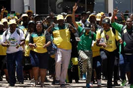 Delegates arrive at the ruling African National Congress (ANC) elective conference in Johannesburg, South Africa, Dec.16, 2017.