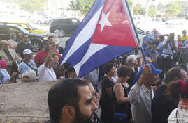 People rally in solidarity with Cuban dissidents, downtown Miami, Florida, Dec. 30, 2014.