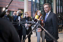Chairman of the Germany's Free Democratic Party, Christian Lindner speaks to reporters in Berlin, Nov. 21, 2017. On Sunday Linder said Germany should be able to deport unaccompanied young refugees involved in crimes.