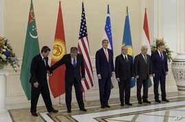 US Secretary of State John Kerry poses with other C5+1 foreign ministers at the Palace of Forums on the President's Residential Compound, Nov. 1, 2015, in Samarkand, Uzbekistan.