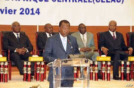 Chadian President Idriss Deby delivers his opening remarks at the special summit of the 10-nation Economic Community of Central African States (ECCAS) in Ndjamena on January 9, 2014 to tackle the sectarian violence wracking the Central African Republ