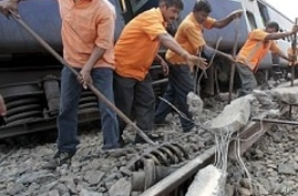 Experts Recommend India Rail Overhaul