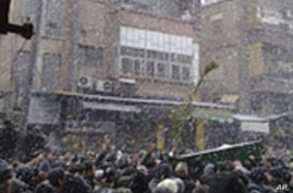 Syrian Troops Fire on Protesters in Damascus