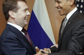 Obama, Medvedev Meet on Nuclear Treaty, Other Issues