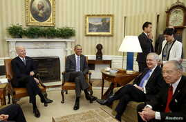 US President Barack Obama (2nd L) meets with the bipartisan leaders of the Senate to discuss the Supreme Court vacancy left by the death of Justice Antonin Scalia at the White House in Washington, March 1, 2016.
