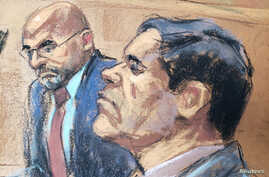 """The accused Mexican drug lord Joaquin """"El Chapo"""" Guzman (R), appears with defense attorney A. Eduardo Balarezo (L) in this courtroom sketch as he appears in Brooklyn federal court in New York, U.S., November 19, 2018."""