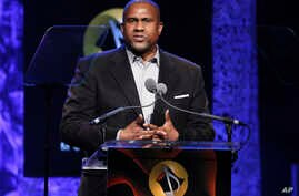 """FILE - Tavis Smiley appears at the 33rd annual ASCAP Pop Music Awards in Los Angeles, April 27, 2017. PBS has suspended distribution of Smiley's talk show after an independent investigation uncovered """"multiple, credible allegations"""" of misconduct by"""