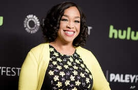 """FILE - Shonda Rhimes is seen attaneding the 33rd Annual Paleyfest: """"Scandal"""" event in Los Angeles, California, March 15, 2016."""