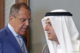 Russian Foreign Minister Sergei Lavrov (L) and Saudi Foreign Minister Adel Jubeir attend a news conference after a meeting in Moscow, Russia, Aug. 11, 2015.
