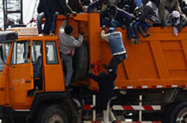 Thousands of  Migrant Workers Stranded in Conflict-Ridden Libya