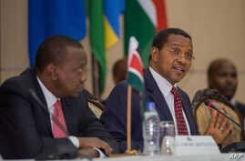 Tanzanian President Jakaya Kikwete speaks at the extra-ordinary East African Community summit on the Burundi crisis at the State House in Dar es Salaam, Tanzania, May 13, 2015.