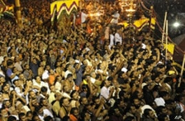 Stampede in India Kills At Least 100