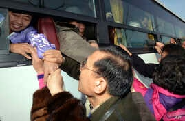 Tens of thousands of South Koreans have held reunions with their North Korean family members since the 1980s, as these people did at Diamond Mountain in North Korea, Feb. 25, 2014.