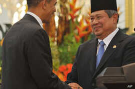 Obama in Indonesia to Improve Muslim Relations, Trade Ties