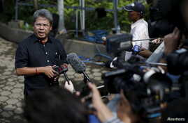 Todung Mulya Lubis, lawyer for two Australians facing death penalty, Myuran Sukumaran and Andrew Chan, speaks to reporters at Wijayapura port in Cilacap,  Central Java island, Indonesia, April 27, 2015.