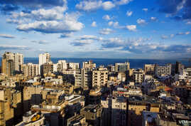 Beirut buildings rise higher and higher as everyone struggles to get a sea view. (VOA/V. Undritz)