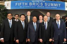 Finance Ministers of BRICS nations in Durban, on March 26, 2013 (SAfrican Gov photo)