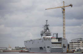 The Mistral-class helicopter carrier Vladivostok is seen at the STX Les Chantiers de l'Atlantique shipyard site in Saint-Nazaire, western France, April 24, 2014.
