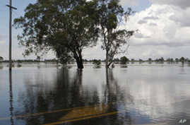 Australian Officials: Flood Waters Will Take Weeks to Recede