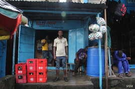 Business is suffering, say shopkeepers in Waterside market in Monrovia, Liberia, Oct. 9, 2014. (Benno Muchler/VOA)